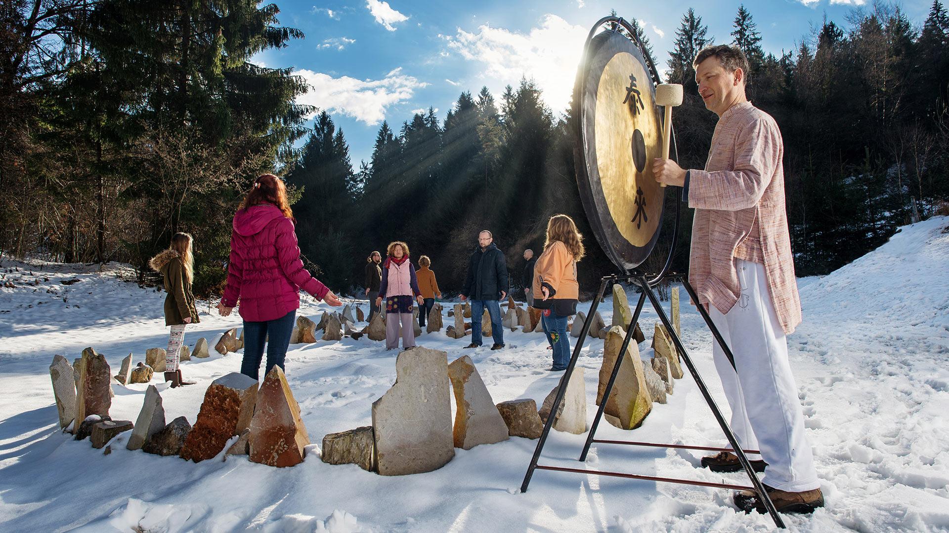 Zimska meditacija ob zvokih gonga