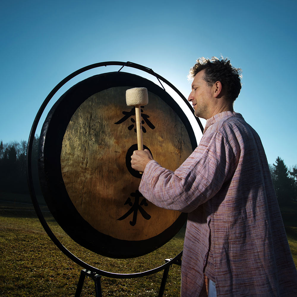 Gong kopel, zvočna kopel, energijska kopel, zvočna masaža, sproščanje