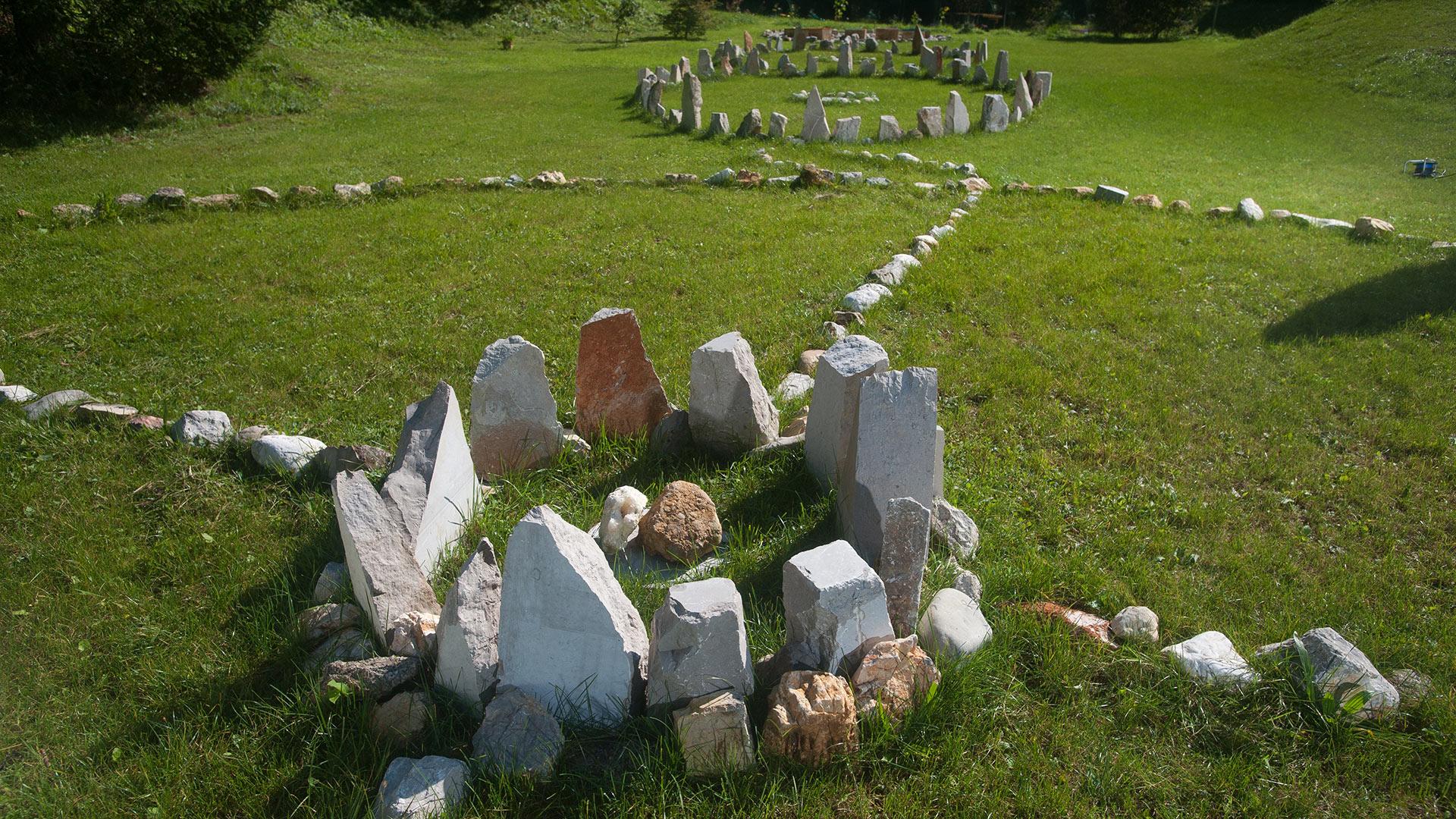 energijski park Manas, energijske točke, zdravilno kamenje, natural healing park